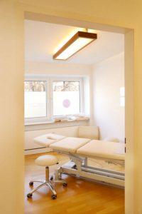 Behandlungsraum für Manuelle Therapie und Chiropraktik